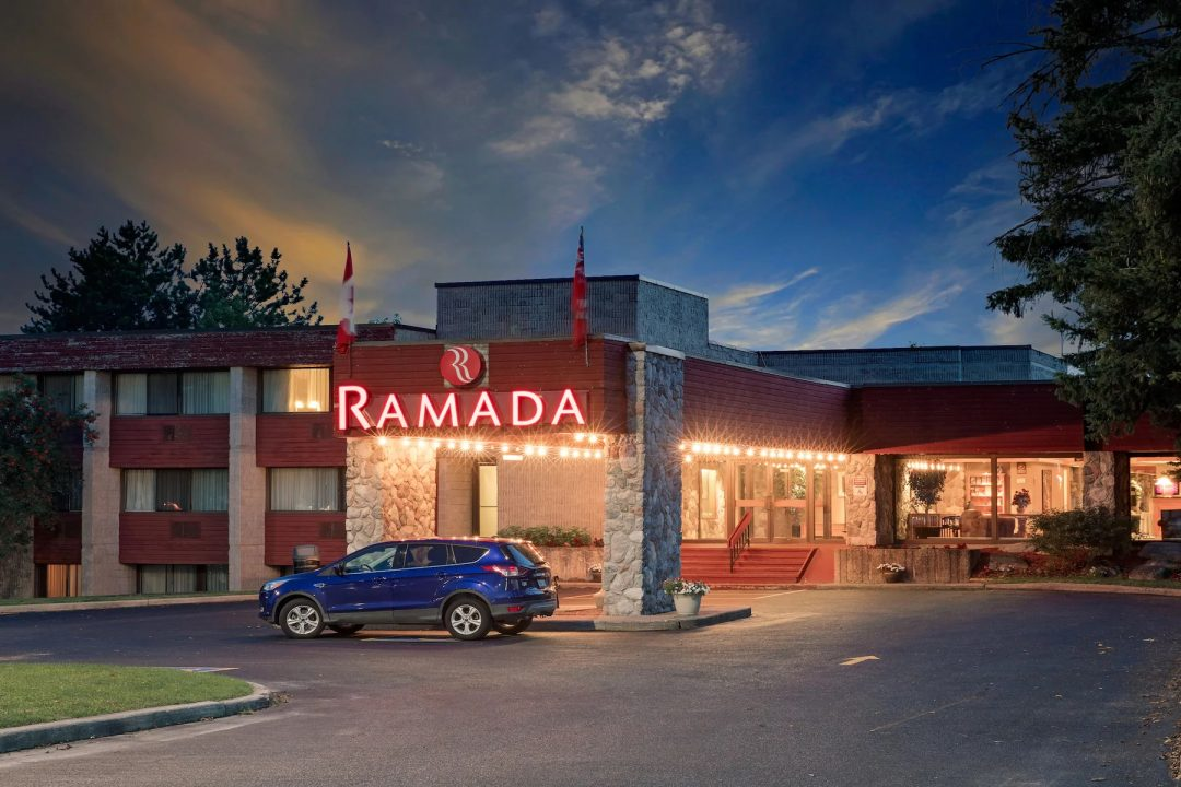 Ramada by Wyndham Pinewood Park Resort